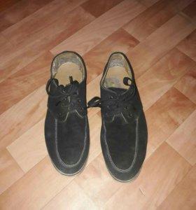 Продам туфли 43 размер