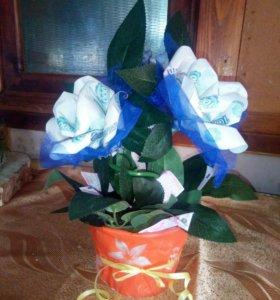 Розы из купюр