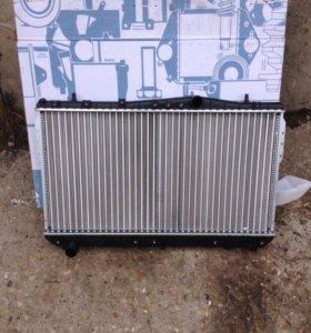 Радиатор двигателя на Шевроле лачети