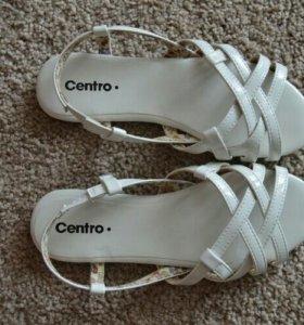 Босоножки (сандали) новые