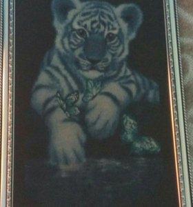 """Вышивка- картина """" Белый тигренок"""""""