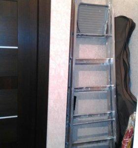 Лестница-стремянка строительная