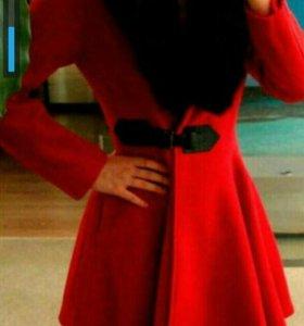 Новое очень красивое пальто