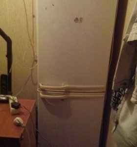 Холодильник Samsung на запчасти