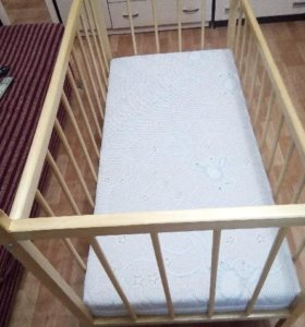 Детская кровать и матрац