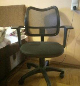 Офисный стул на колесиках икеа