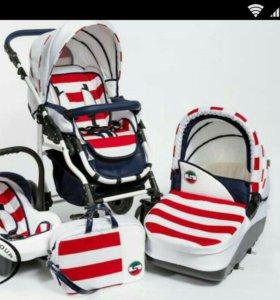 Замечательная коляска для маленьких морячков))