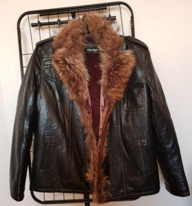 Куртка мужская зимняя с меховым воротником.