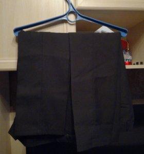 Продаются брюки две штуки размер 36 рост 146-152