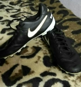 Бутсы Nike tiempo