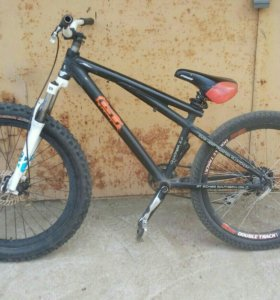 Велосипед gt cocker 2.0