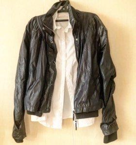 Чёрная куртка из плащевки s/m