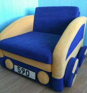 Детское раскладное кресло машинка