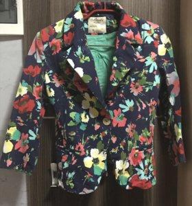Летний костюм (юбка + пиджак)