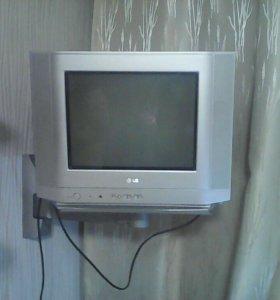 Телевизор LG 2007 г. Выпуска