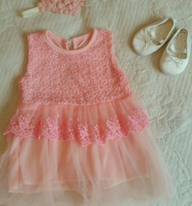 Нарядное платье и пинетки