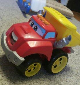 Игрушечная машина