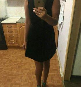 Платье-бархатное