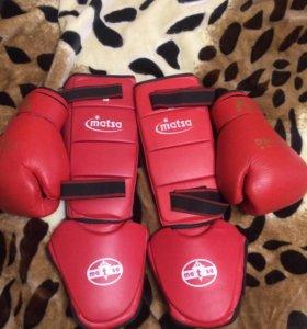 Боксерские перчатки + накладки