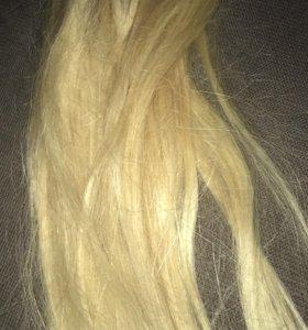 Продаю натуральные волосы,блонд, на заколках.