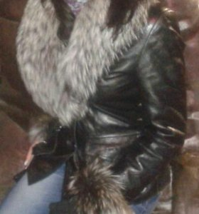 Кожаная демисезонная куртка с натуральным мехом