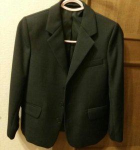 Новый Пиджак для первокласника на 7-8 лет