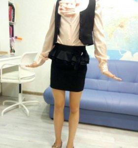 Школьная форма р.146 (юбка+жилетка)