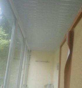 Обшиваю балконы