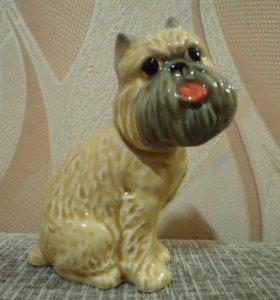 Статуэтка собака Грифон