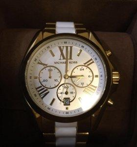 Часы Michael Kors с секундомером-хронографом