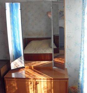 Спальный гарнитур шкаф трильяж кровать