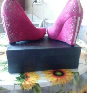 Туфли новые 39 размера