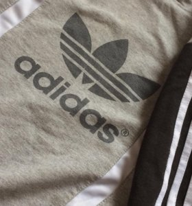 Толстовка Adidas с капюшоном