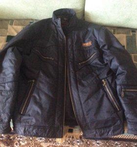 Продам куртку на осень.