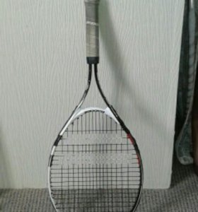 Теннисная ракеткк для тенниса