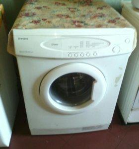 Продам  две стиральных машинки,  на запчасти