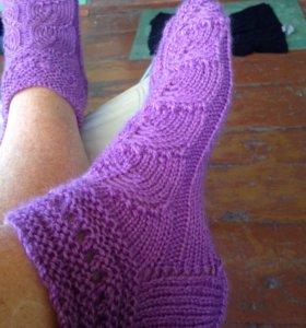 Ажурные шерстяные носки, ручной вязки.