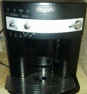 Кофеиашину Delonghi 3000