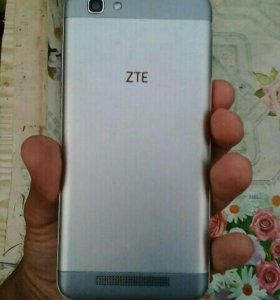 ZTE Blade A610