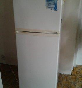 Холодильник ,, Днепр'', двухкамерный