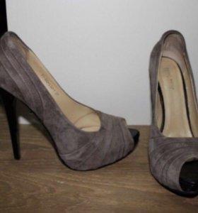 Новые замшевые туфли с натуральной кожей