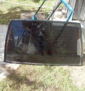 Заднее стекло крышки багажника на ваз 2114