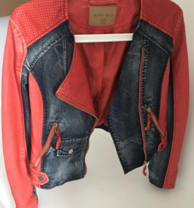 Кожаная куртка с джинсовыми вставками