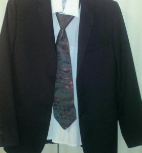Школьный костюм(пиджак,брюки,рубашка,галстук