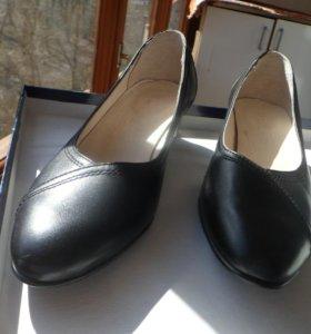 Туфли новые натуральная кожа внутри и снаружи