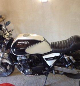 Honda CB 1000