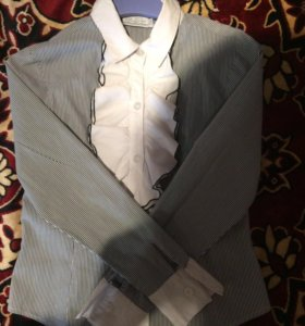 Школьные блузка и юбка