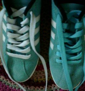 """Кроссовки""""Adidas"""""""