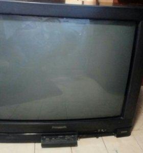 Телевизор Panasonic, диагональ 69 см