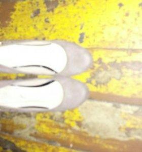 Продам туфли на платформе, одевались один раз